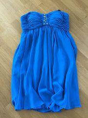 Kleid von Laona