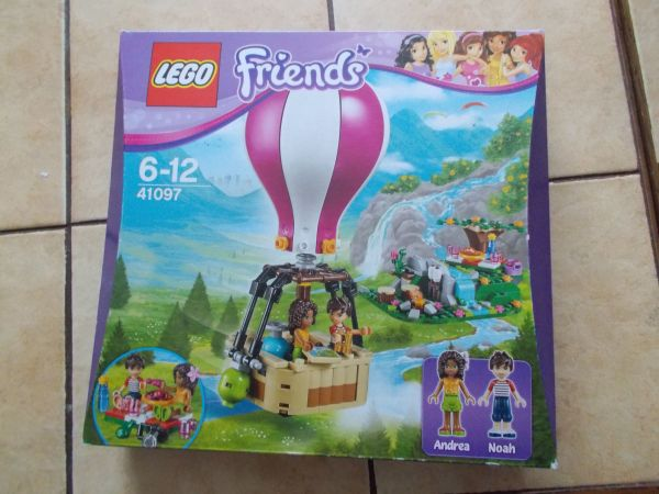 LEGO Friends 41097 Heartlake Heißluftballon