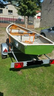 Angelboot Ruderboot mit Arco-Trailer