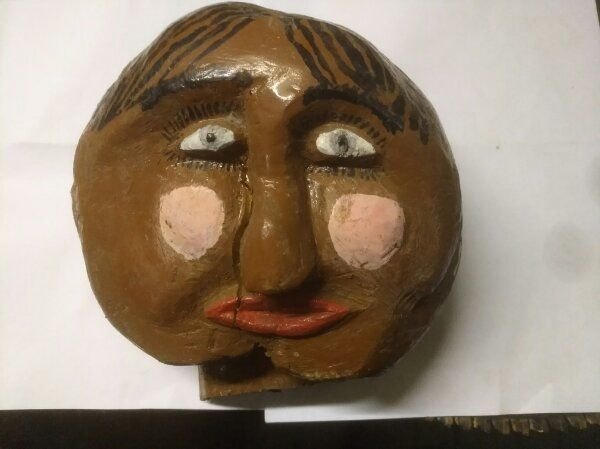Holz Figur Gesicht Keller Fund
