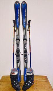 Ski - Stöcke - Abfahrtsstiefel