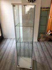 Verkaufe sehr schöne Glas Vitrine