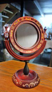 kleiner Standspiegel aus Holz handbemalt