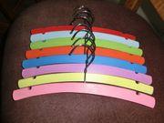 Kinderbügel Kleiderbügel Holz bunt pastellfarben