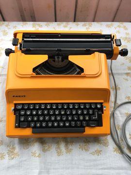 Facit 1840 elektrische Schreibmaschine mit: Kleinanzeigen aus Starnberg - Rubrik Büromaschinen, Bürogeräte
