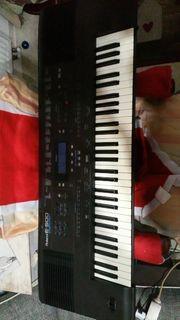 Keyboard roland e 500