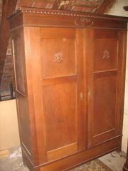Antik Kleiderschrank massiv Holz mit