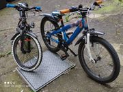 zwei Kinderfahräder