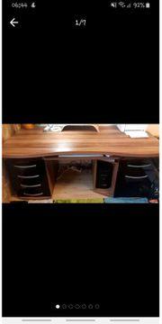 DRINGEND Großer Büroschreibtisch mit Tastaturauszug