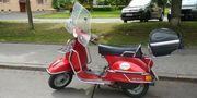 Roller Piaggio Vespa PX125 E