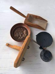 Rustikale alte Bauerndeko- Utensilien