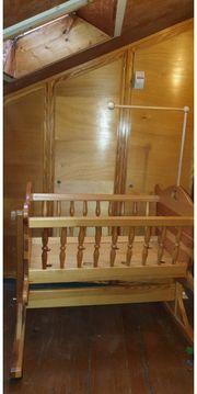 Babywiege - Handarbeit Massivholz