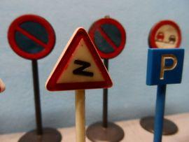 Bild 4 - Konvolut alte Verkehrszeichen - Verkehrsschilder Wiking - Steuerwaldsmühle