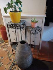 Pflanzenständer aus Metall