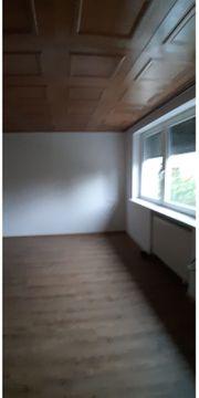 Grosse 2 Zimmer Wohnung