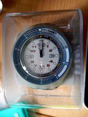 Originalverpackte ungebrauchte SWATCH Snowpass