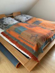Naturholz-Bett aus Buche