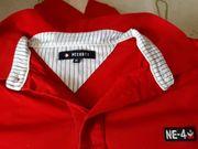 modernes T-Shirt noch nie getragen