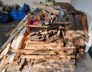 Holz aus Renovierungsmaßnahme Feuerholz