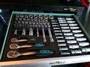 werkstattwagen neu mit Werkzeug Germany