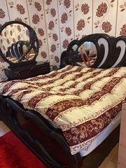 Komplettes Schlafzimmer mit Bett Schminktisch