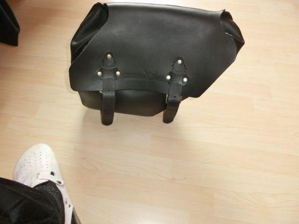 Echtleder Satteltaschen rechte und linke