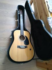 12-saitige Western-Gitarre mit Stegtonabnehmer und