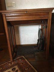 Nähmaschine Tischchen
