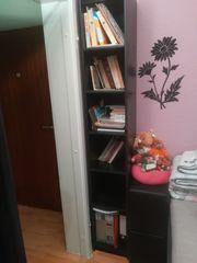 2 Bücherregale in schwarz