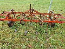 Traktoren, Landwirtschaftliche Fahrzeuge - Fraugde Grubber Leichtgrubber