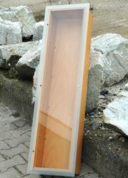 Schaukasten aus stabilem Holz mit