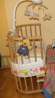 Neuwertiges Beistellbett Babybay passende Matratze