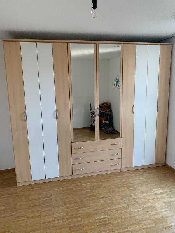 Kleiderschrank 6 Türen 3 Schubladen