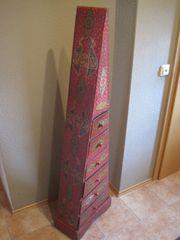 Kleiner Schubkastenschrank orientalisch