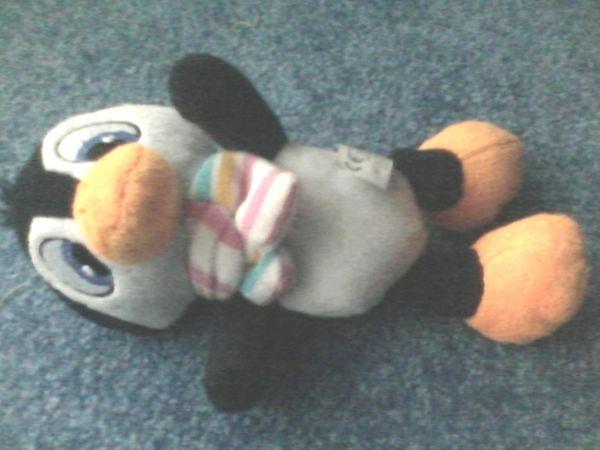 Spielzeug - Plüschtier - Plüsch - Pinguin - Flo