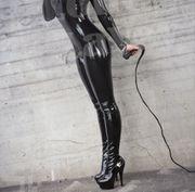 Herrin Katharina 23Jahre sucht Sklaven