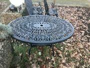 Gartenmöbel aus Guss