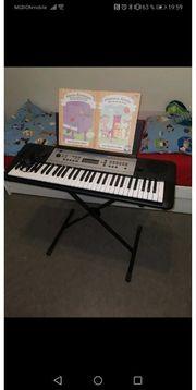 Yamaha Keyboard wNeu mit Ständer