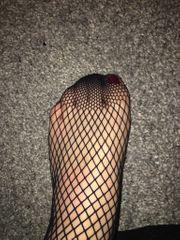 Netzstrumpfhose getragen