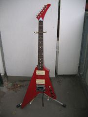 Randy Rhoads-Style Flying V superKlang
