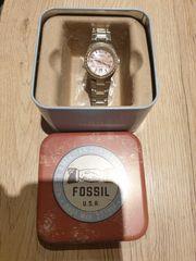 Schöne Fossil Armbanduhr Silber rose