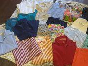 22 Kartons Damenbekleidung - Oberteile und