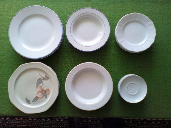 Teller in verschiedenen Größen und