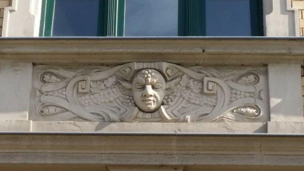 10 Kapitalanlage - Historisches Wohn- Geschäftshaus
