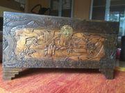 Holztruhe mit chinesischer Intarsienarbeit Liebhaberstück