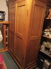 Kleiderschrank Antik Garderobenschrank