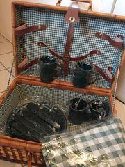 Picknick Korb mit Inhalt