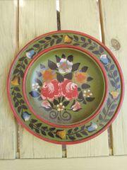 Bauernmalerei - Holzteller mit Blumenmuster