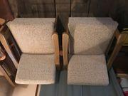 Sofa und zwei Polstersessel