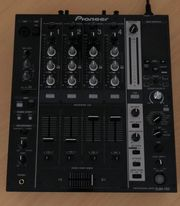 Pioneer 1x DJM 750K 2x XDJ-700